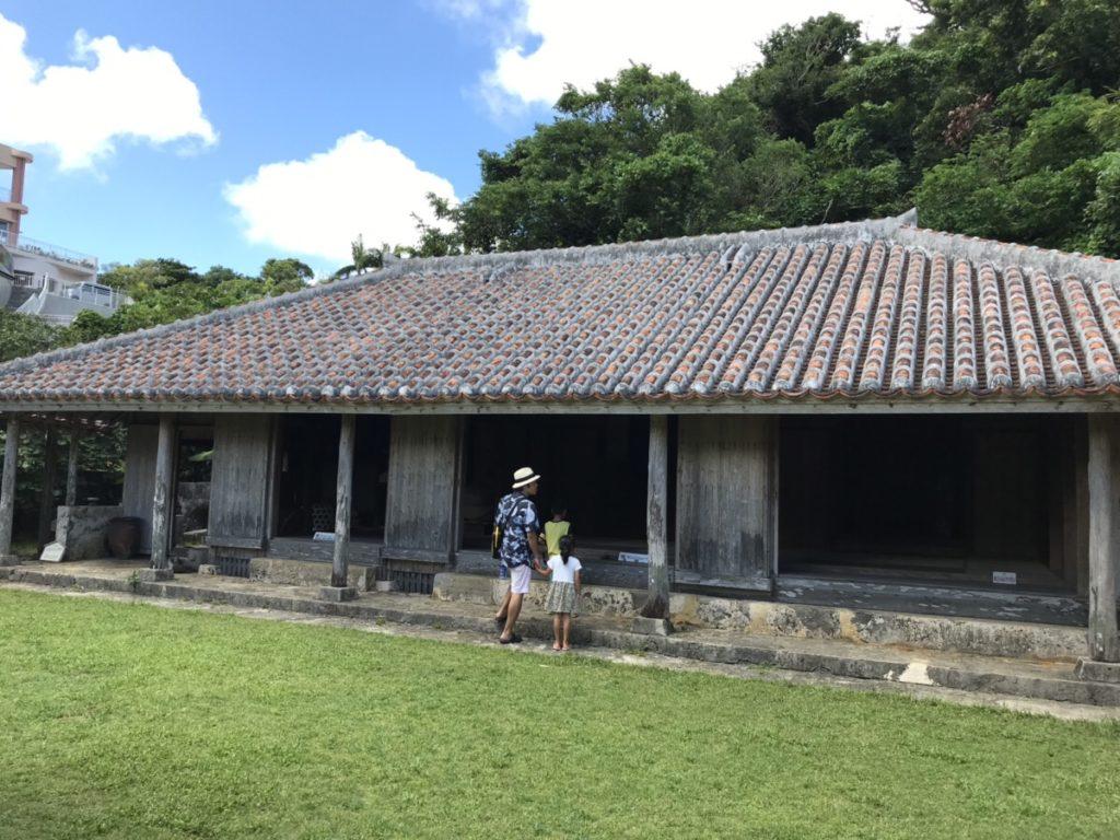 沖縄の家屋